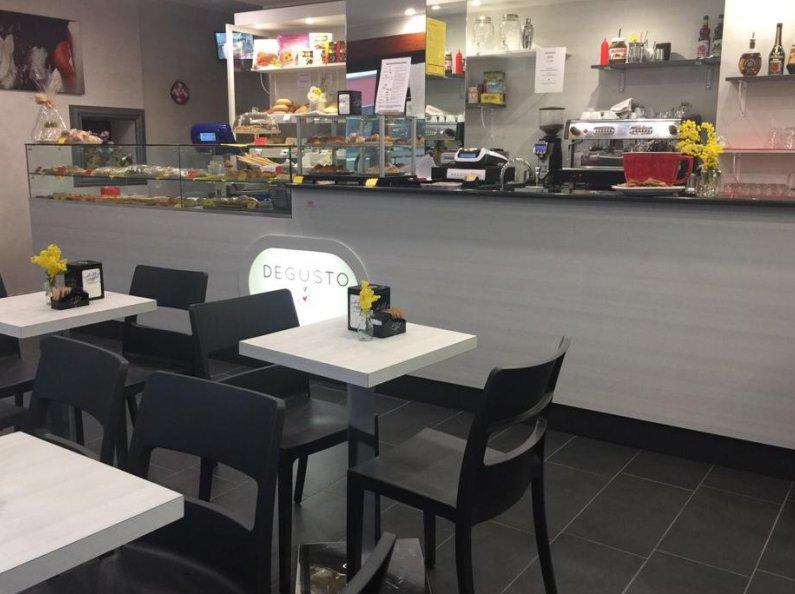 Arredamento negozi torino to rrm group for Arredamento per negozi torino