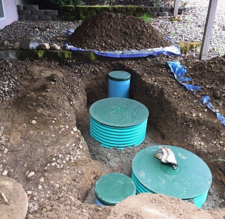 Septic tank service by personnel
