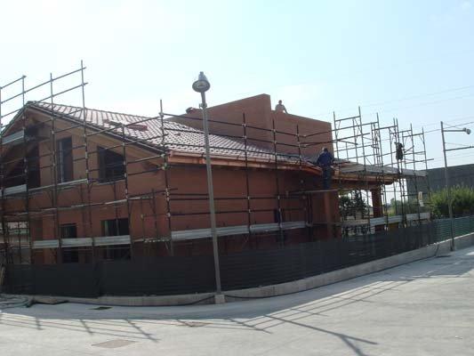 L'installazione della copertura a Varese