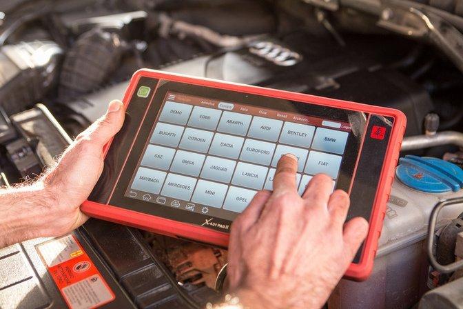 assistenza elettronica per auto