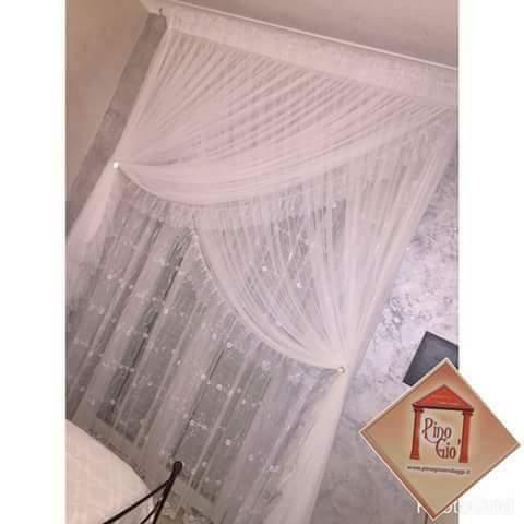 tenda trasparente bianco