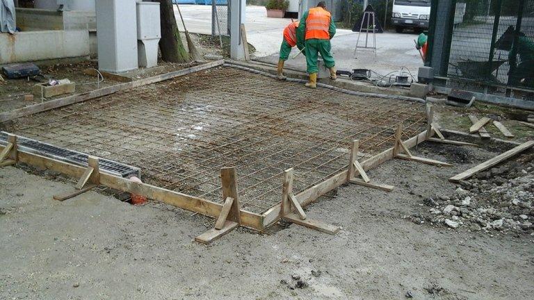 Operai durante lavori edili