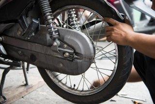 riparazione scooter e motocicli
