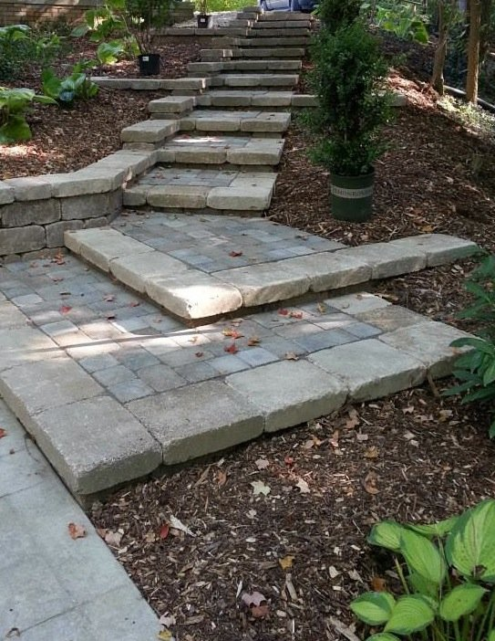 steps using pavers in landscape