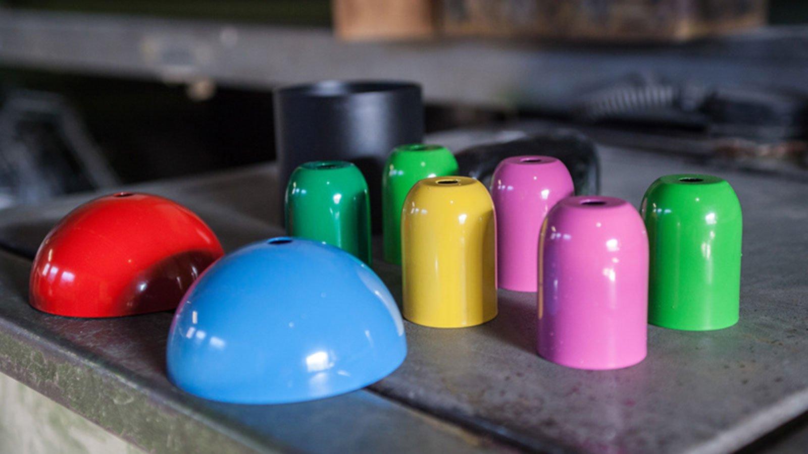 oggetti colorati