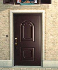 porta da esterno marrone scuro