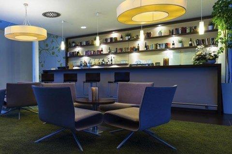 progettazione interni bar