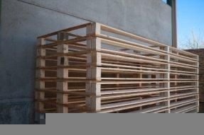 delle gabbie in legno