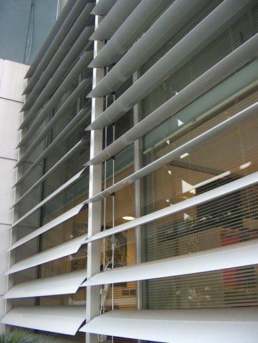 Realizzazione serramenti infissi e cancelli da Teknal a Latina