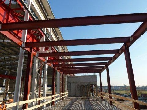 costruzione capannone