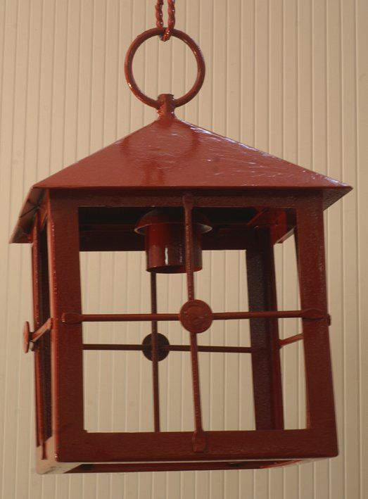 lanterna in ferro color rosso
