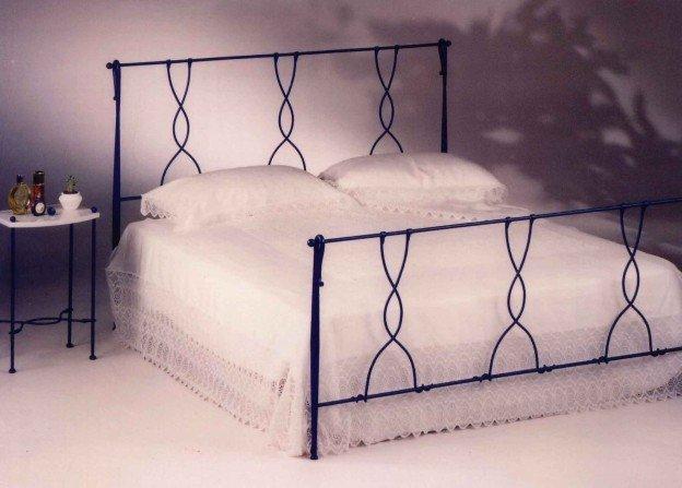 vecchia foto di un letto