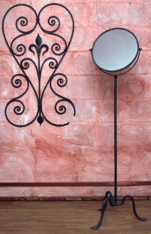 specchio e appendiabiti