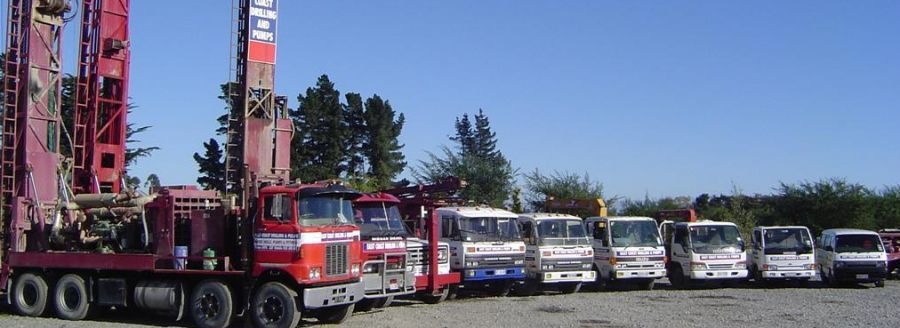 Well drilling rigs and vehicles