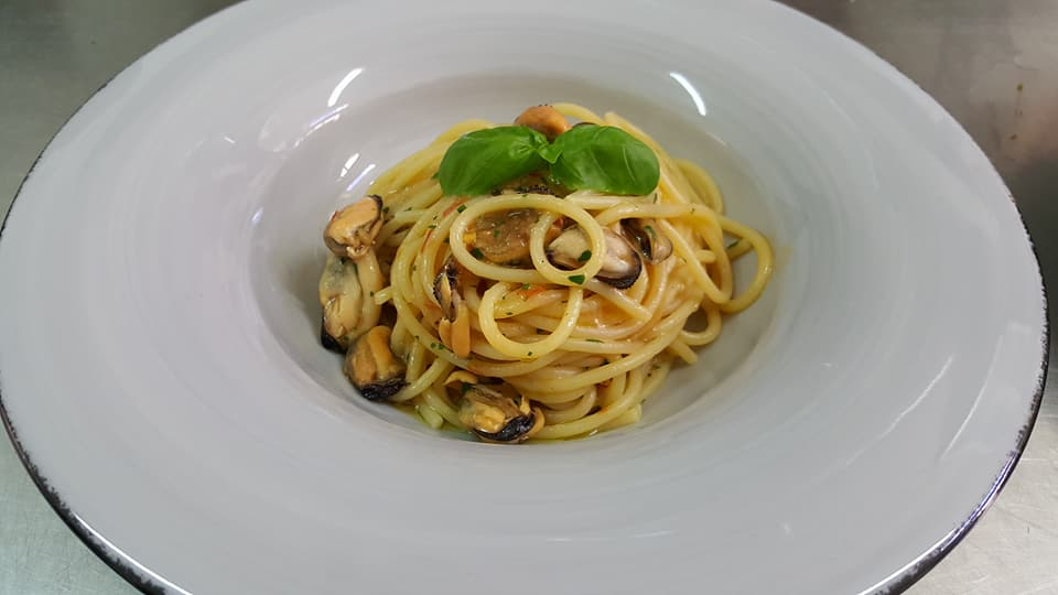 Spaghetti alle cozze fresche