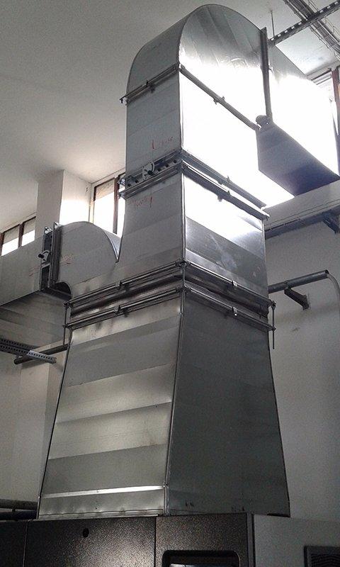 un condotto di metallo