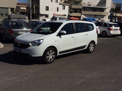 taxi parcheggiato