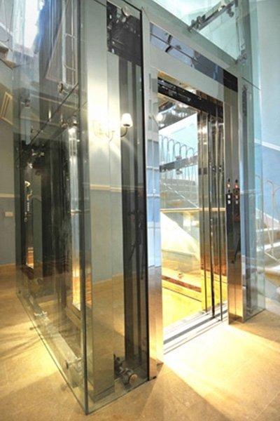 elevatori oleodinamici