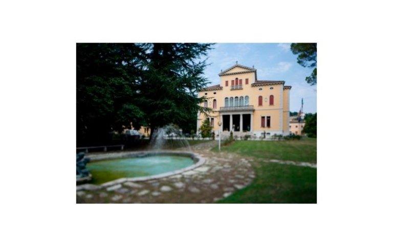 giardino e ingresso villa soligo****