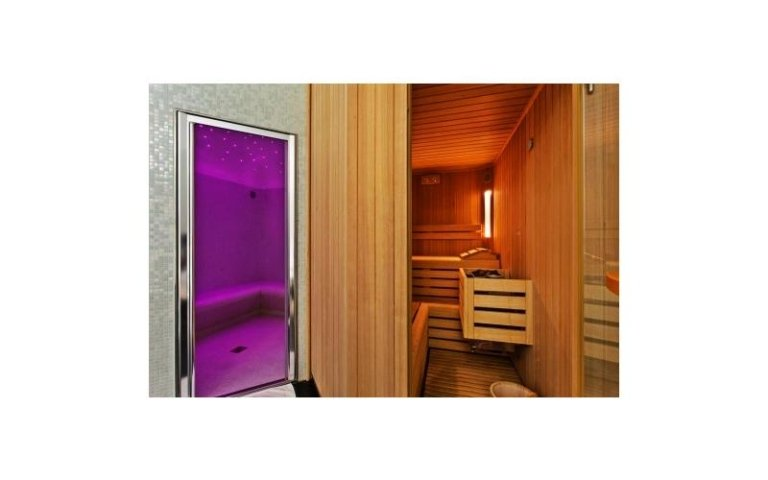 Sauna and chromotherapy