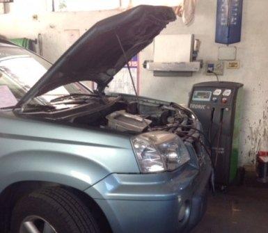 manutenzione automobili, cambio olio