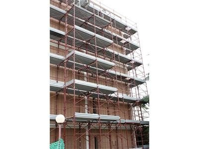 fornitura ponteggi cantieri edili