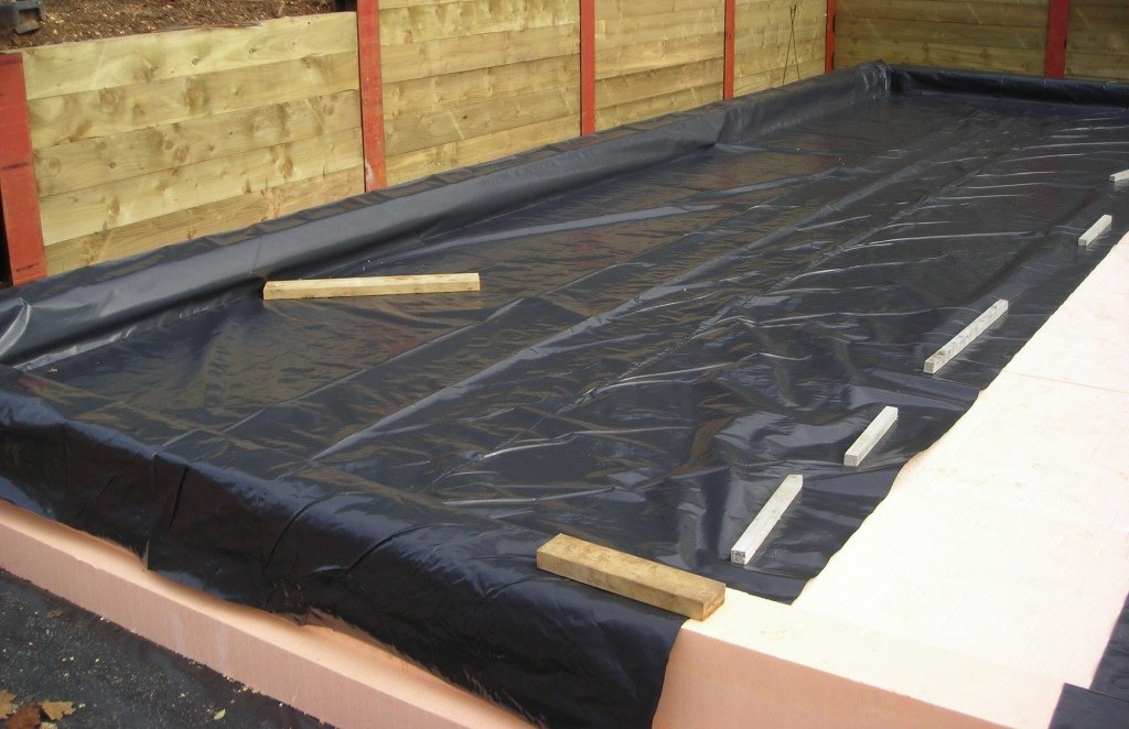 A standard DPM (or radon barrier if required) is installed and the required reinforcements installed in ISOQUICK The Insulated Raft.