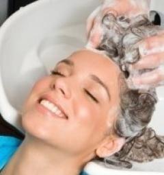 acconciature per la sposa, ambiente con aria condizionata, colorazione dei capelli