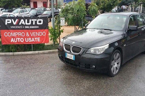 Una BMW nera