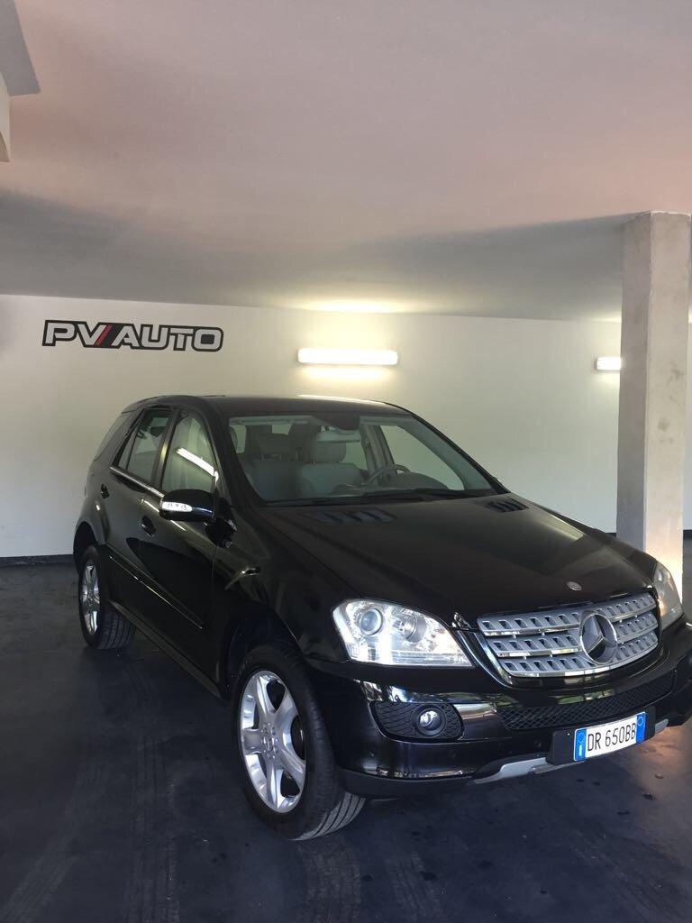 Mercedes Suv Nera