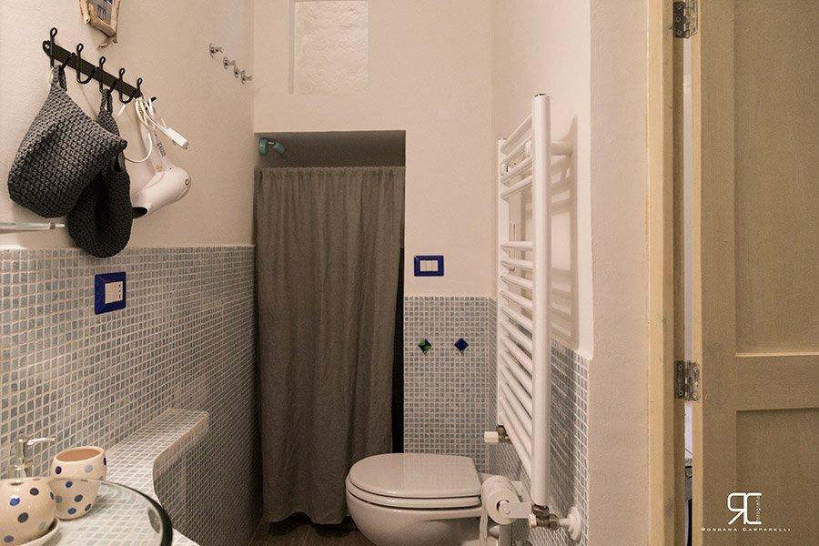 Bagno dell'alloggio Bed & Breakfast 28 a Ostuni