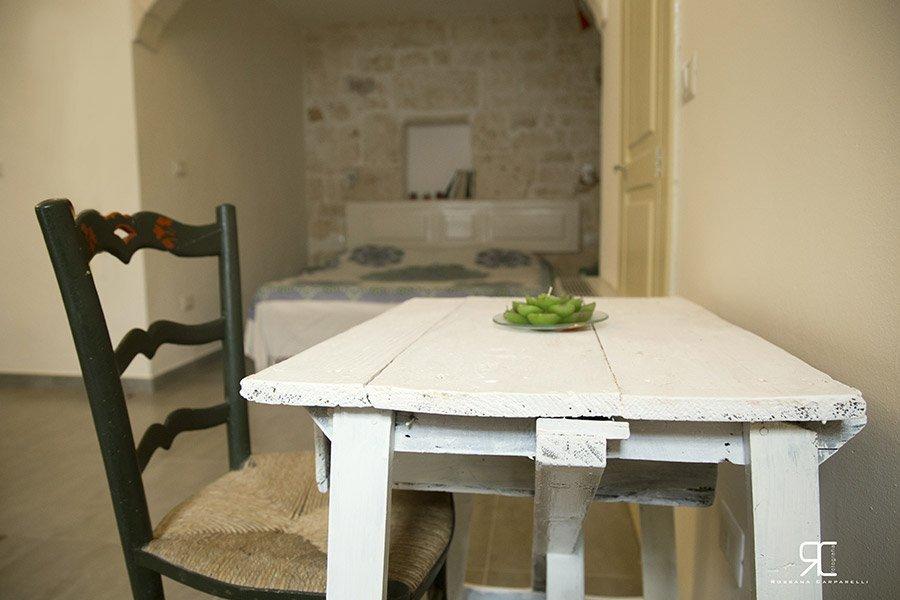Tavolo da pranzo all'alloggio Bed & Breakfast 28 a Ostuni