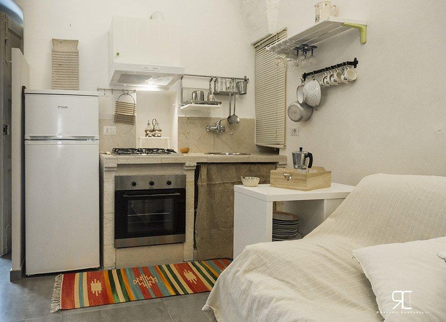 Cucina dell'alloggio Bed & Breakfast 28 a Ostuni