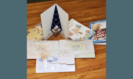 cartoline di auguri con scritte dorate