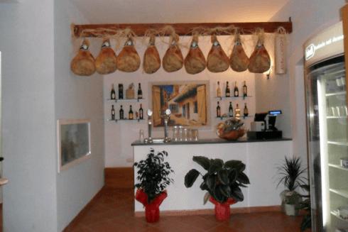 caffetteria, degustazione salumi campani, dolci tipici campani
