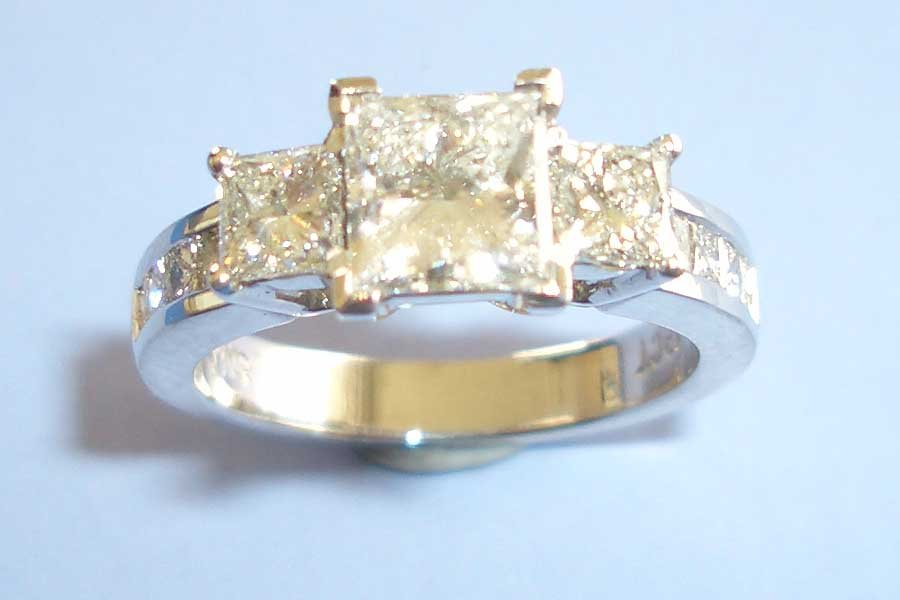 ring with three square diamonds