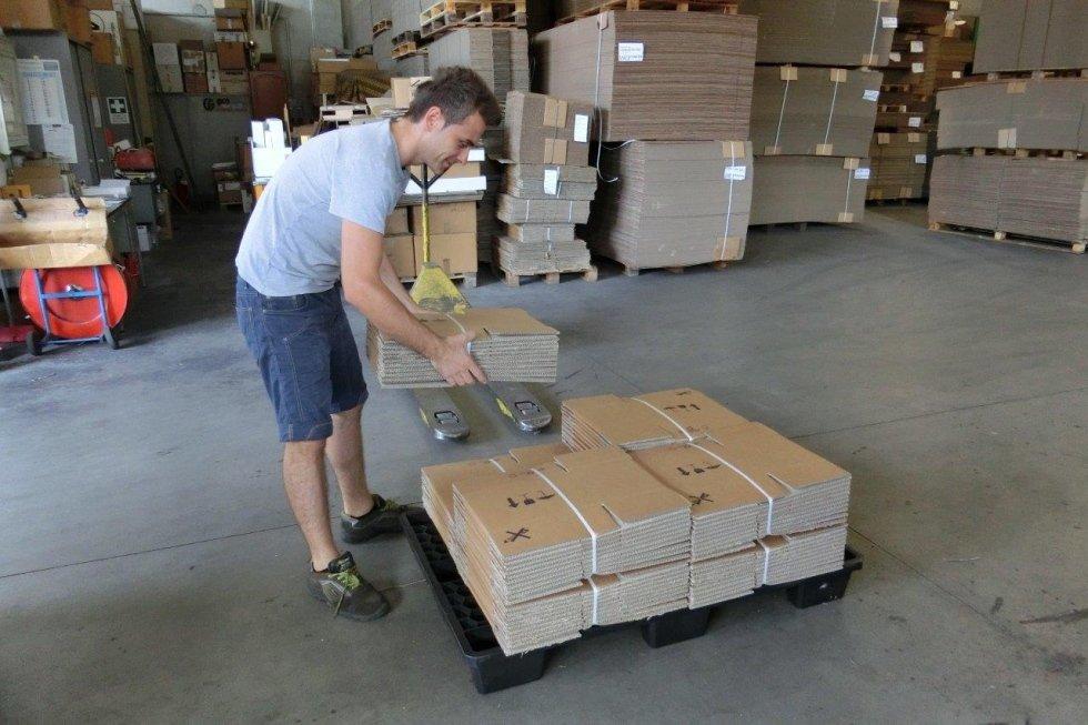 stoccaggio scatole in cartone