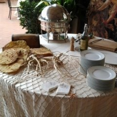 Tavolo con antipasti
