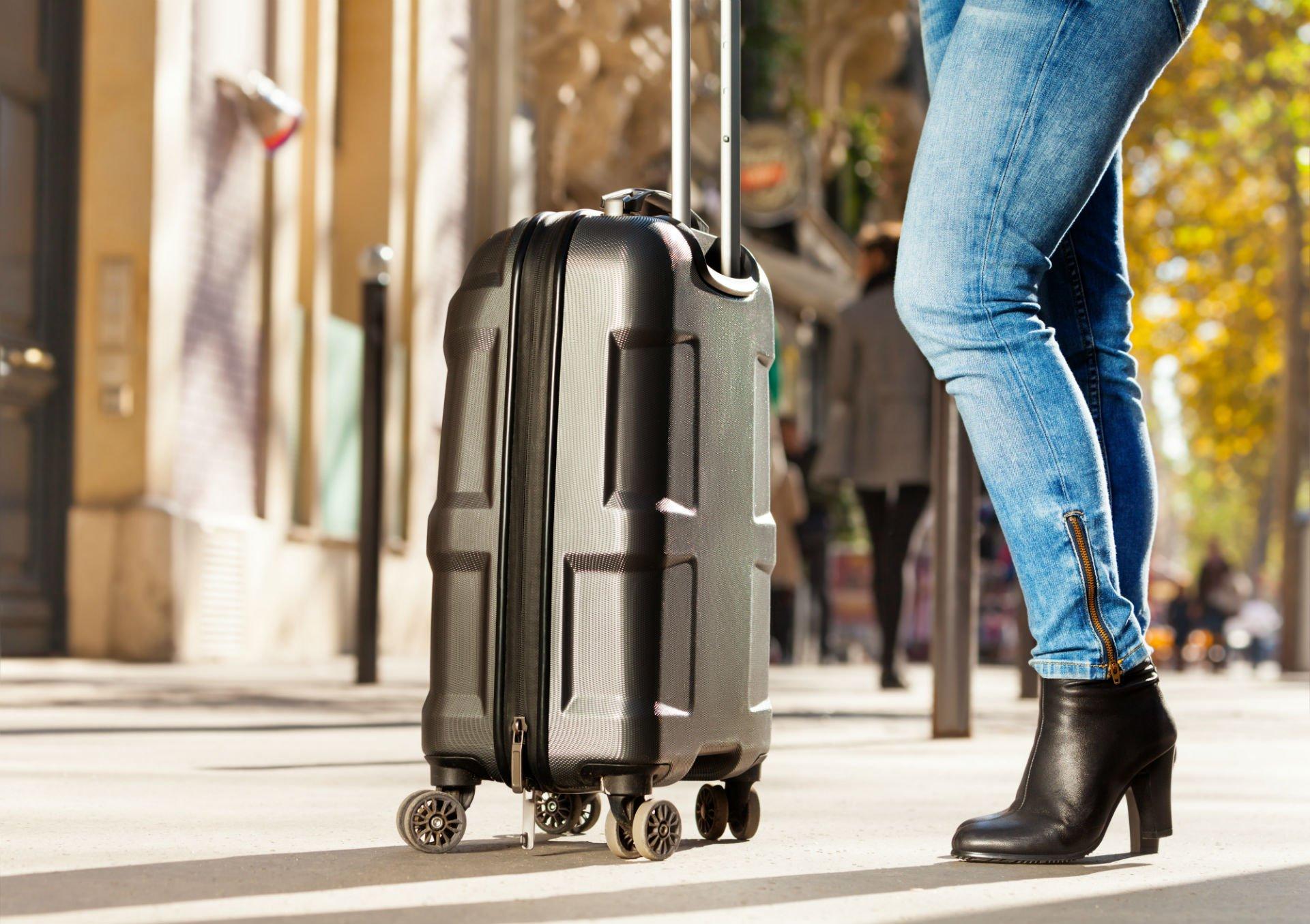 valigia rigida con rotelle
