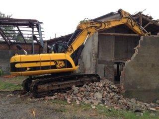 escavatore cingoli, escavatore demolizioni, escavatore edile