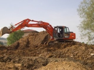 escavatore cingolato, scavatore cingolato, mezzi scavi cingolati