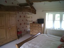 Wallpapering - Keighley, West Yorkshire - MBA Decorating - Interior painter