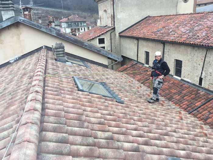 installazione impianti sul tetto con tegola