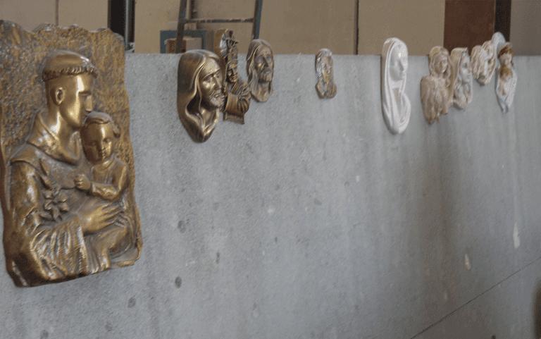 lapidi, tombe, cappelle di famiglia, lapidi in marmo, lapidi in travertino, lavorazione lapidi, scultre in marmo, arte sacra, arte funeraria in marmo, arte sacra in marmo, Poggio Mirteto, Rieti