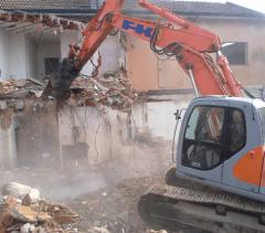 demolizioni civili ed industriali con stoccaggio materiale
