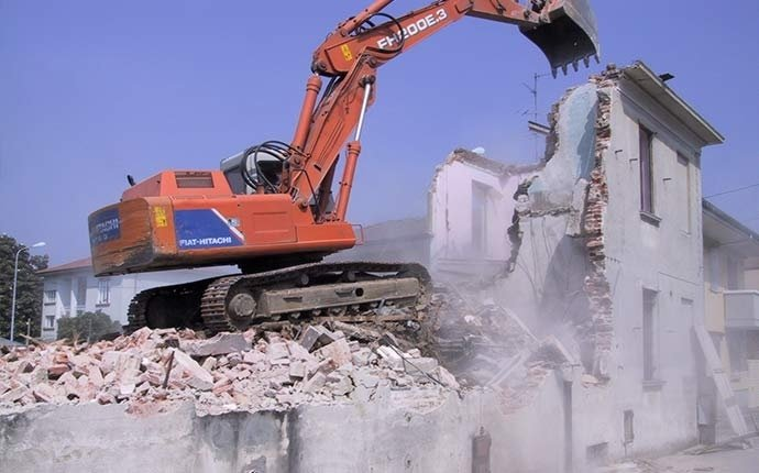 demolizioni fabbricati civili ed industriali