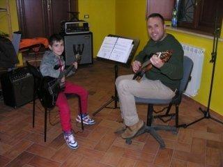 corso chitarra adulti e bambini