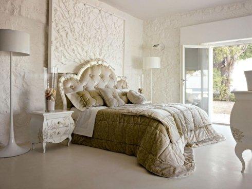 camera matrimoniale e arredamento zona notte antico