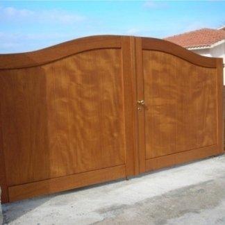 Cancelli in legno per esterno