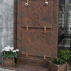 Lapidi funerarie e commemorative.